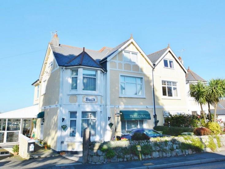 Tregenna Guest House, Melvill Road, Falmouth, TR11 4AR