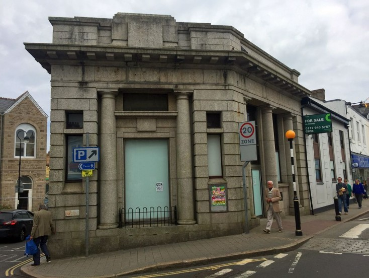Former HSBC, 45 Commercial Street, Camborne, Cornwall, TR14 8AX